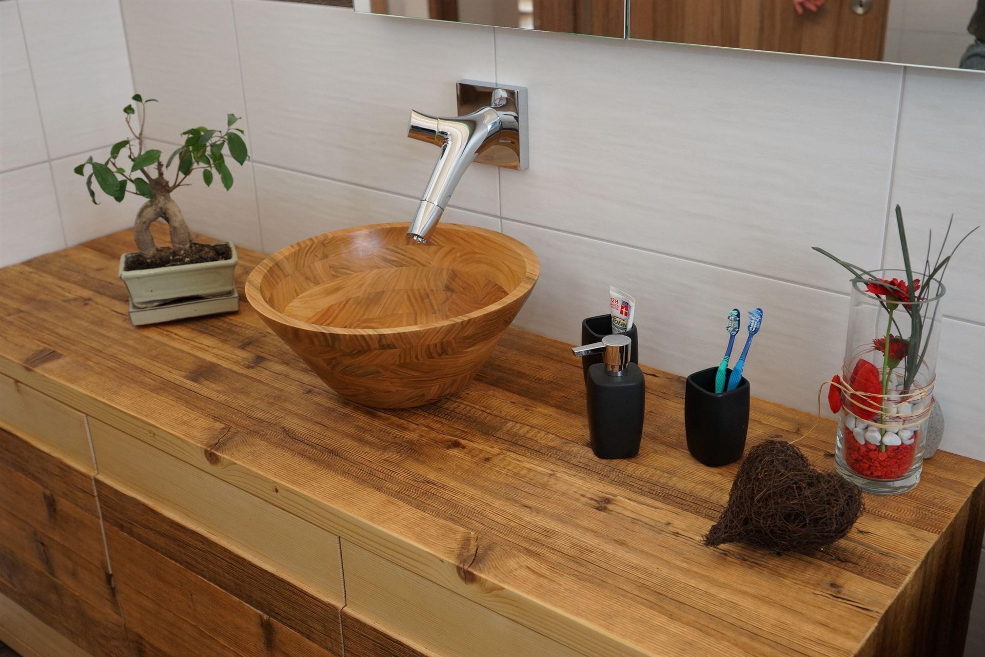 aus liebe zum holz. Black Bedroom Furniture Sets. Home Design Ideas